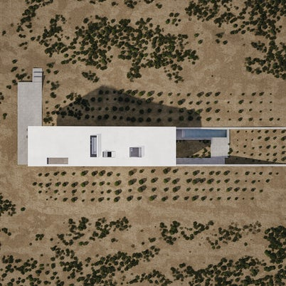 House 6 Degrees by Mado Samiou Architecture