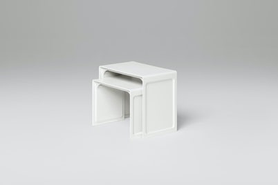 621 Table in white