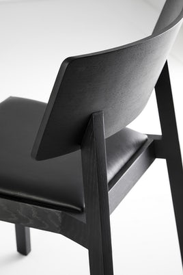 Terence Woodgate Whiskey Chair detail